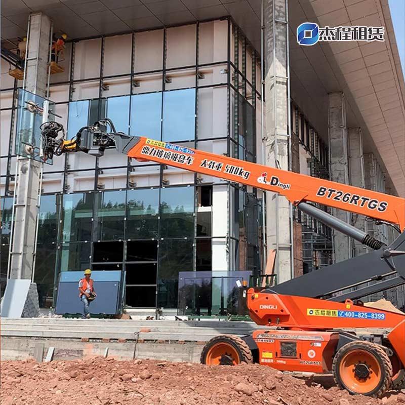 大型玻璃吸盘车出租应用于广西荔玉高速服务区玻璃安装