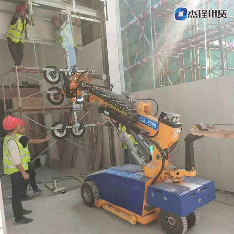 玻璃吸盘机出租应用于碧桂园低层建筑玻璃安装工程