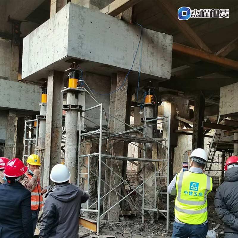 大吨位液压千斤顶出租应用于桥梁建设
