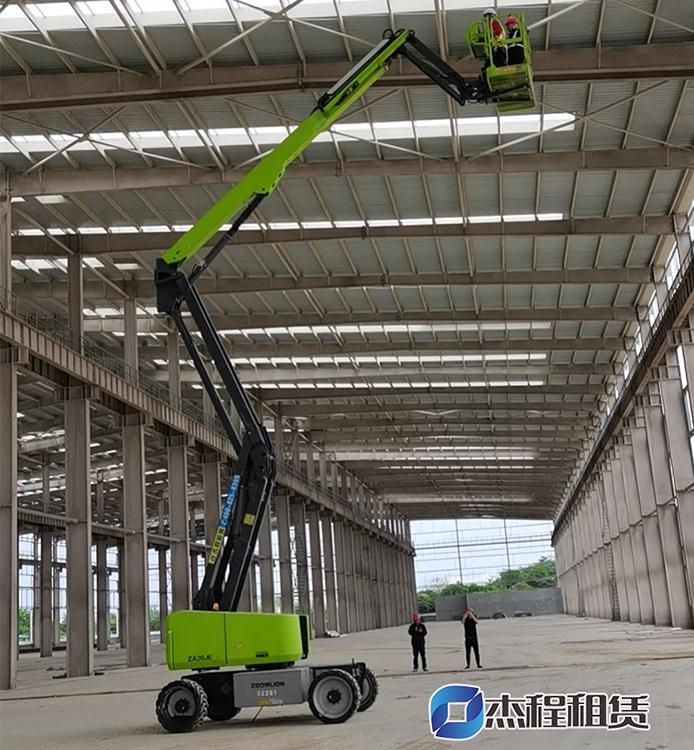 20米电动曲臂车出租应用厂房建设工程