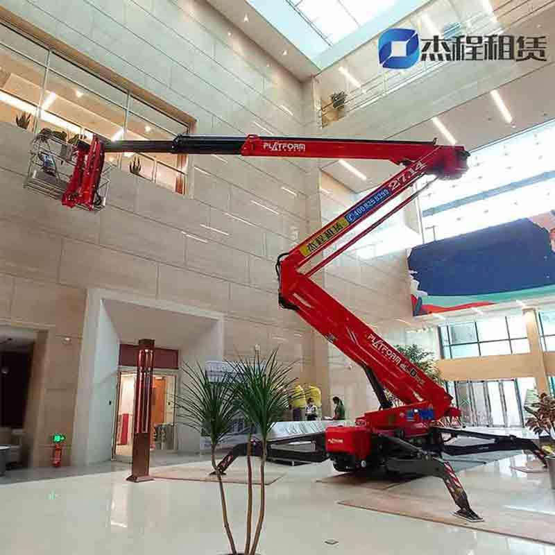 蜘蛛车出租应用于医院大堂高空清洁