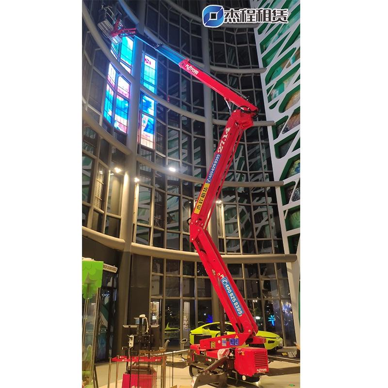 蜘蛛车租赁应用于酒店大堂灯光布置